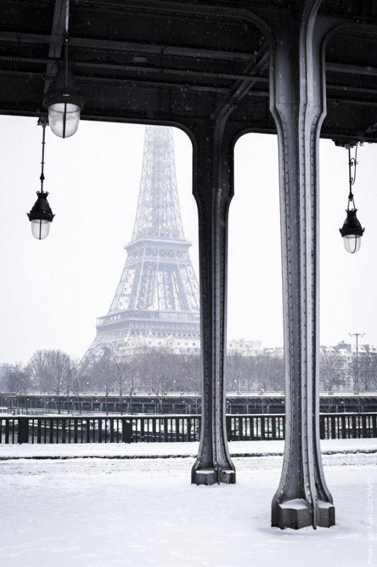 Le pont Bir-Hakeim et la Tour Eiffel Photo réf : mgui20130120_0084 – format 60x90