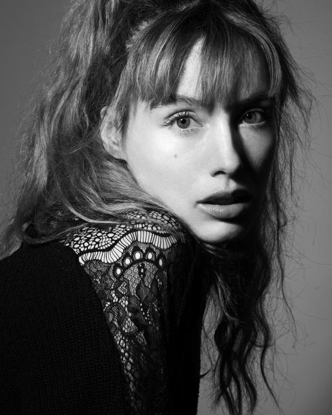 Portrait de la comédienne Mathilde Mosnier