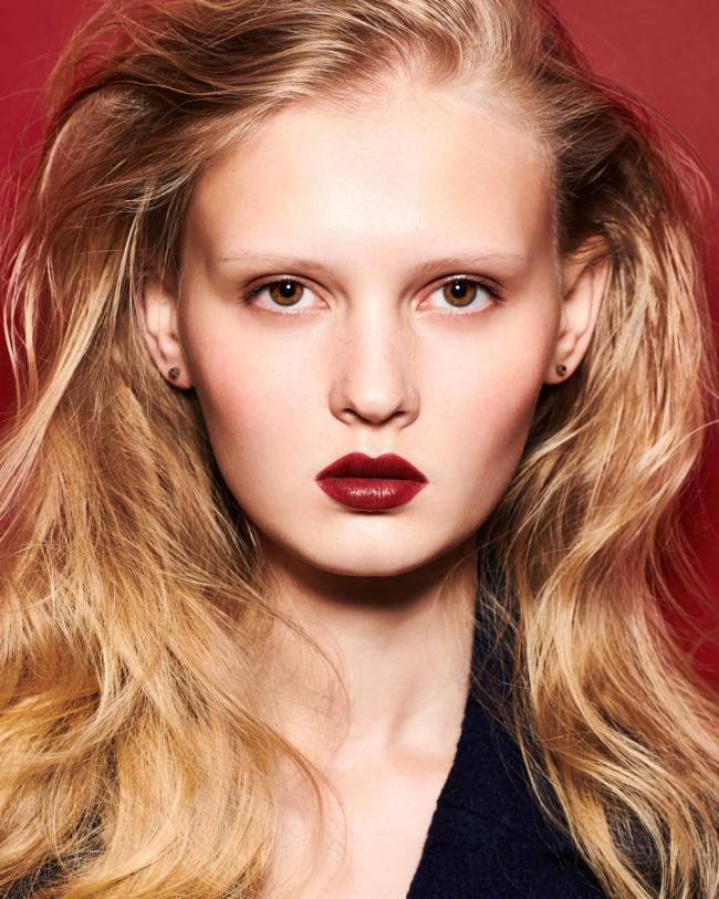 Alena Gotina - Up Model -photographie beauté - rouge