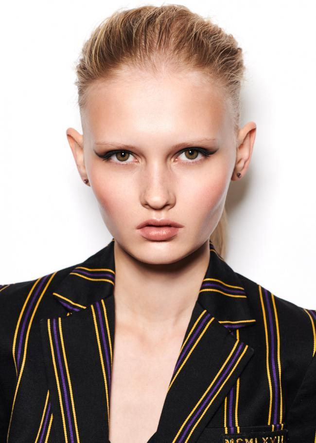 photographie beauté Alena Gotina - Up Models