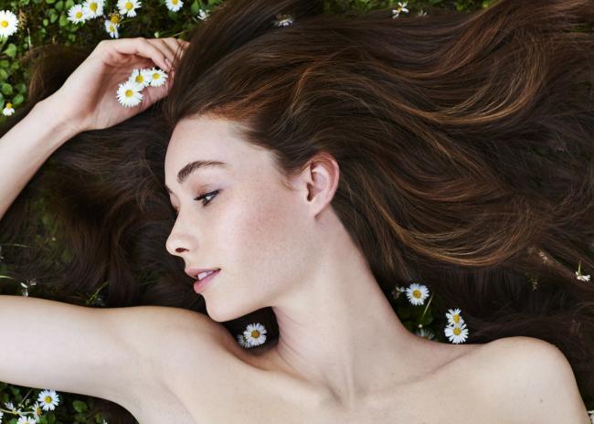 Shooting Beauté Valeriia - agence mademoiselle Make up : Christelle Minbourg Make Up Hair : Simon Chossier - Agence B-Agency
