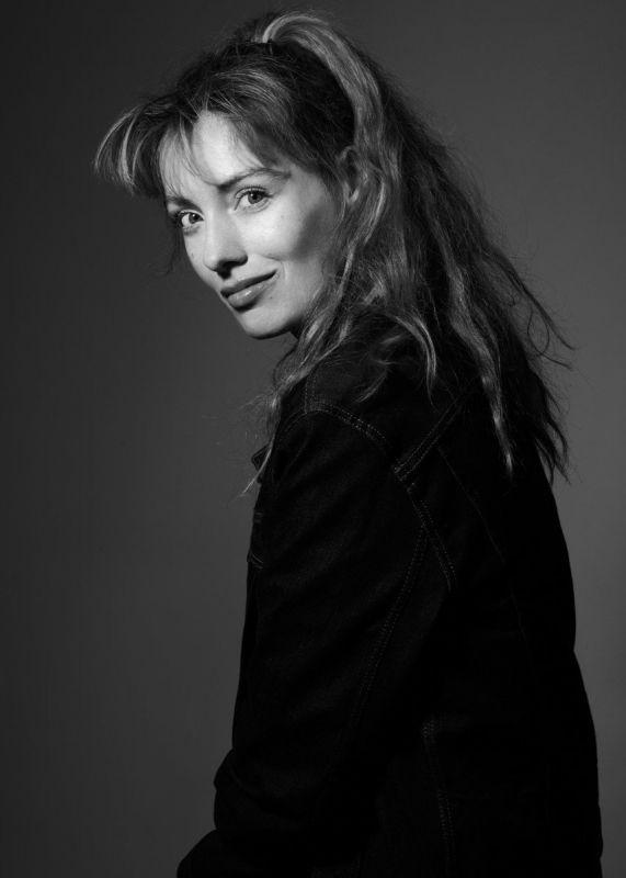 Portrait studio photo Mathilde Mosnier