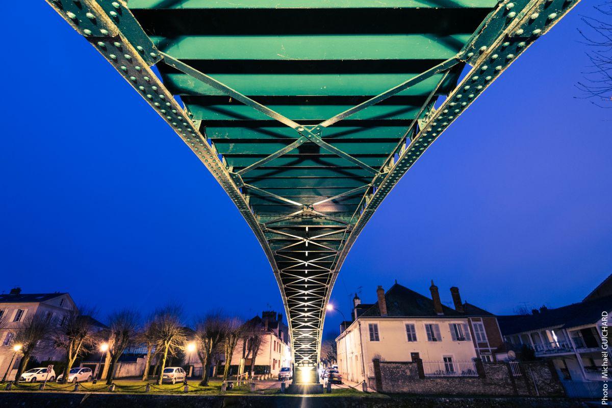 MONTARGIE pont de nuit