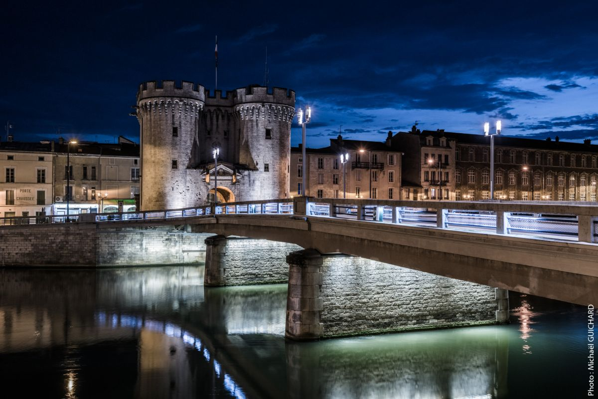 VERDUN photo de nuit pont